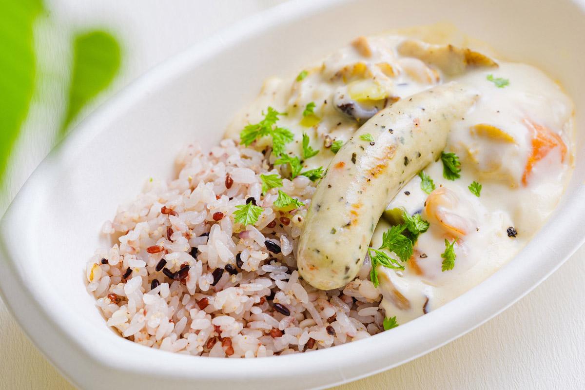 秋限定メニュー3 「五穀米&シーフランクのクリーム煮」CAFE107